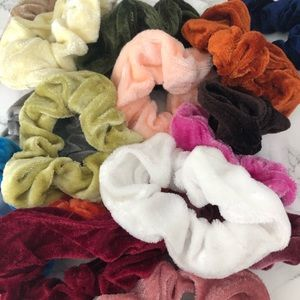 FREE SCRUNCHIE WITH EVERY ORDER